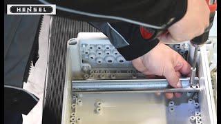 Mi - Montage von Tragschienen / Installation of DIN rails via spacers