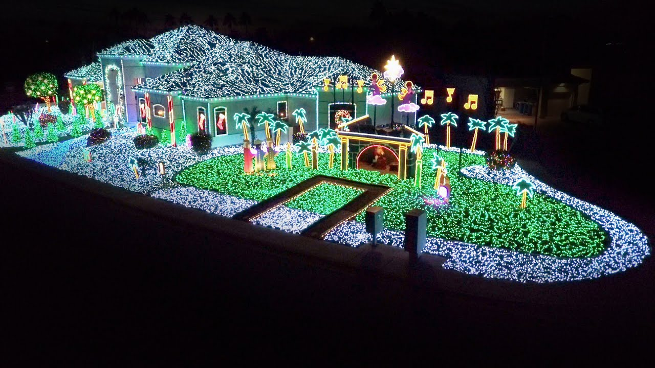 Winner Of The Christmas Light Fight 2020 Sanda Twins' Ingenious Display Lights Up The Night   The Great