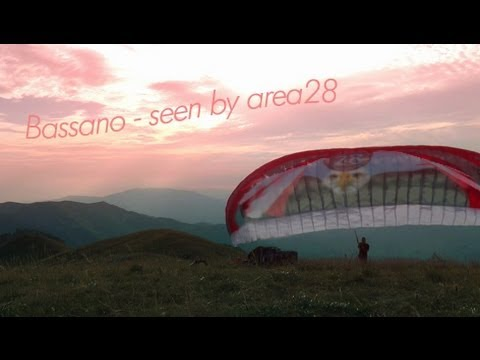 Awesome Bassano - The Spirit Of Paragliding