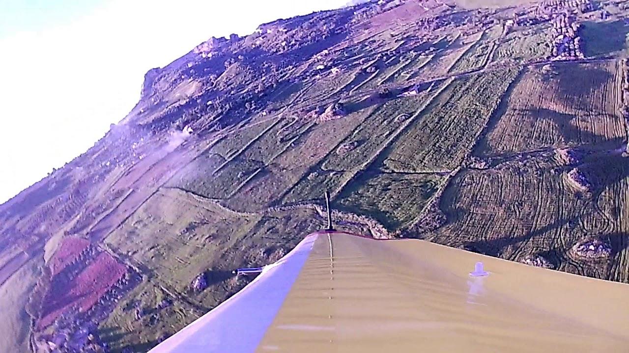 In volo fra monti e valli in Sicilia - YouTube