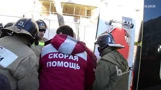 Спасатели достают людей из-под завалов в Магнитогорске