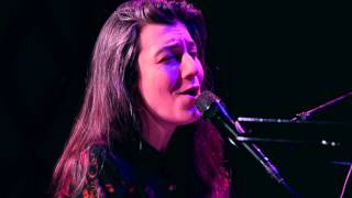 Julia Holter - Betsy On The Roof (Live on KEXP)