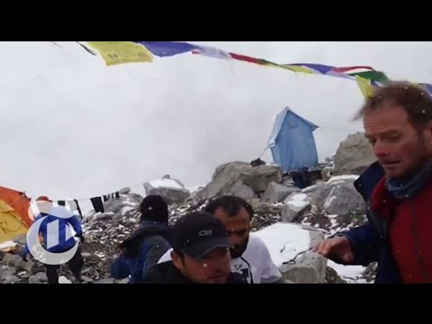 Nepal Earthquake 2015: Witness Videos on Everest | The New York Times