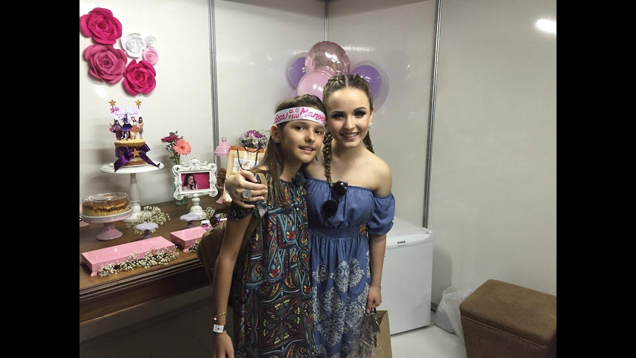 b7b77941d8e76 Bastidores e camarim do show da Larissa Manoela em Fortaleza 2016 ...