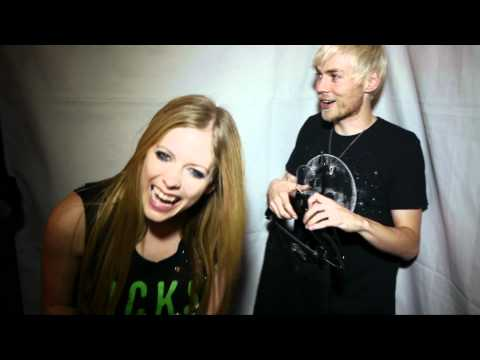 Avril Lavigne Black Star Tour Canada - Coat Hanger Evan