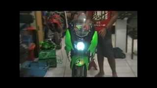 kawasaki ninja 150 rr projector hid green white angeleyes