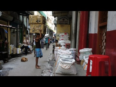 Walking in Kolkata ( Calcutta)