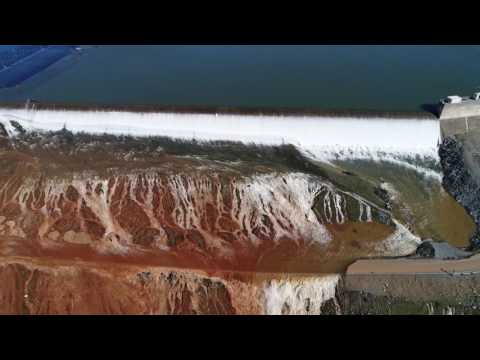 Espectacular vista drone accidente  represa Oroville, California -  View drone Oroville Dam