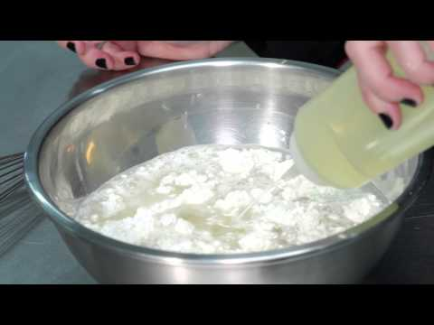 How to make crepes with flour and water