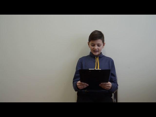 Изображение предпросмотра прочтения – АлександрПарфёнов читает отрывок изпроизведения «Теплый хлеб» К.Г.Паустовского