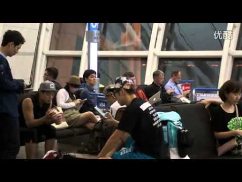 download (fancam) Eating the ice Kim Hyun Joong _130905 Incheon airport departure (to Chengdu, China)