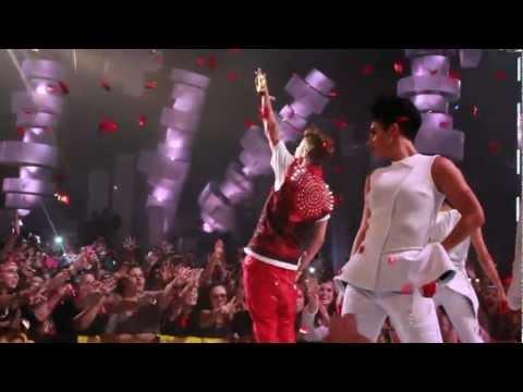 Justin Bieber - Boyfriend and All Around the World, MMVA 2012