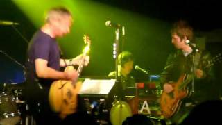 Paul Weller & Noel Gallagher, Echoes round the sun at the Garage, Islinton 210410.