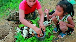 Primitive Life Village - Mother Catch a crocodile - Cute baby monkey Cook snails Eating Oval