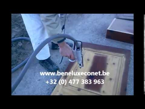 decapage porte en bois de pin youtube. Black Bedroom Furniture Sets. Home Design Ideas