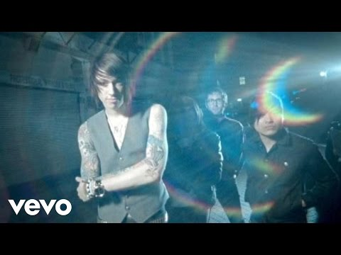 Metro Station - Shake It (MTV Video)