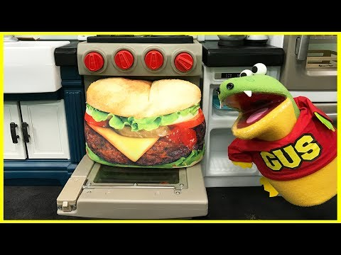 Thumbnail: GIANT HAMBURGER PRETEND PLAY food toys Bakery and kids pretend cooking Kitchen funny video