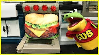 GIANT HAMBURGER PRETEND PLAY food toys Bakery and kids pretend cooking Kitchen funny video