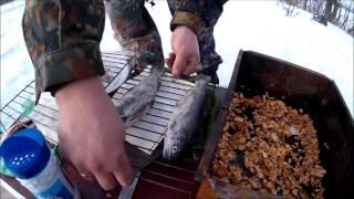 Учимся коптить рыбу!(Первый раз был на сём занятии, оказывается очень интересно и вкусно! С звуком плоховато, снимал ещё на не..., 2015-03-20T04:30:00.000Z)