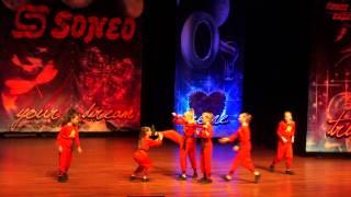 Show Division Groningen op Soneo Dance Challenge 2014, Dronten 21 april