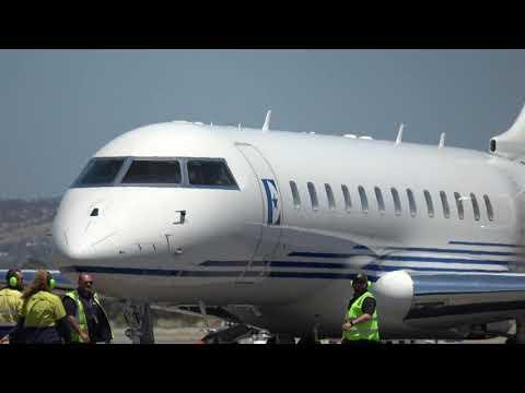 Elton John lands in Adelaide, Australia on his private jet