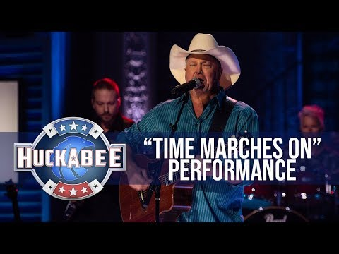 "tracy-lawrence-performs-""time-marches-on""-