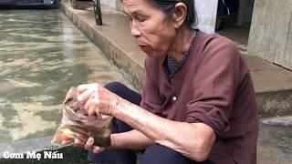 Xem Là Nhớ Nhà Với Món Cá Trê Kho Niêu Đậm Đà Của Mẹ (Braised Fish) | Cơm Mẹ Nấu