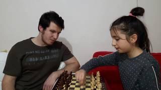 Abim ile satranç oynadık
