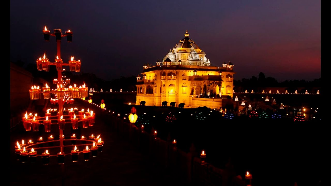 31   Amazing Hindu Temple for lighting lamps in temple  45hul