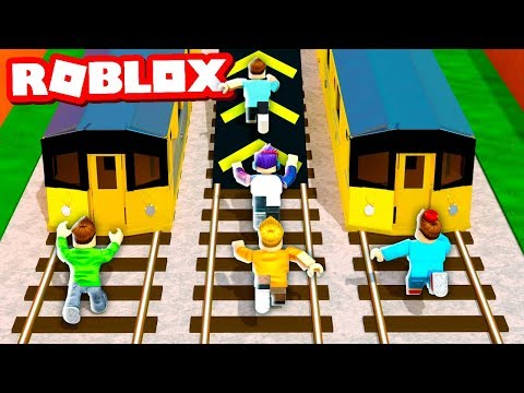 SUBWAY SURFERS IN ROBLOX CHALLENGE! (Roblox Blox Surfers)