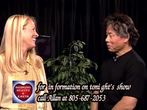 Bridging Heaven & Earth Show # 176 with Kam Yuen and Kam & David Carradine Kung Fu Videos