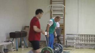 Russian Weightlifting Champions train in 2007