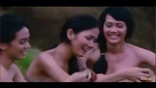 Repeat youtube video Masayu, Sarah Rizkya, Aulia Sarah Lagi Nyuci Di Kali