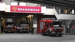 PRIO 1 TS432 TS441 AL311 met spoed naar gebouwbrand Putsebocht Rotterdam