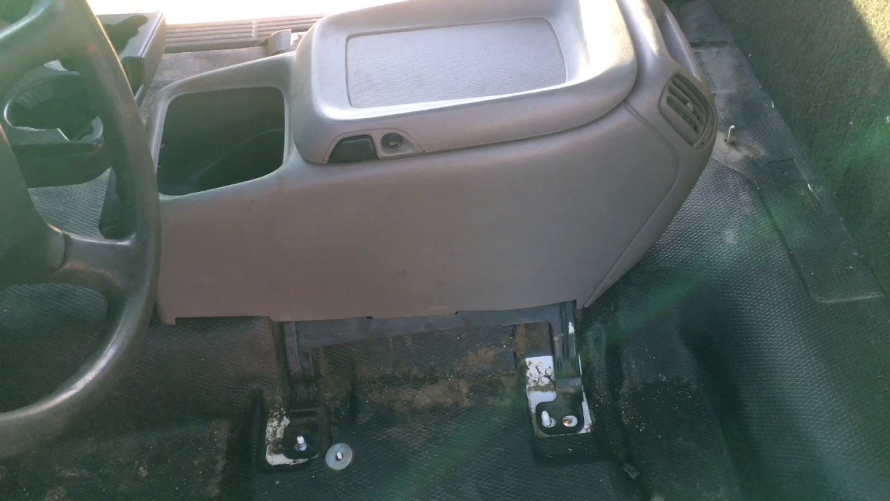 Silverado 2005 chevy silverado center console : Silverado Center Console Swap - YouTube