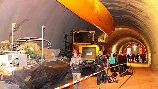 Blick in die Tunnelbaustelle der Bahn bei Zierenberg