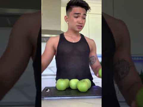 How to make Bretman Rock's 'Green juice'