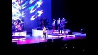 Kelly Clarkson Fan Request Honestly Live Melbourne Australia 1 October 2012