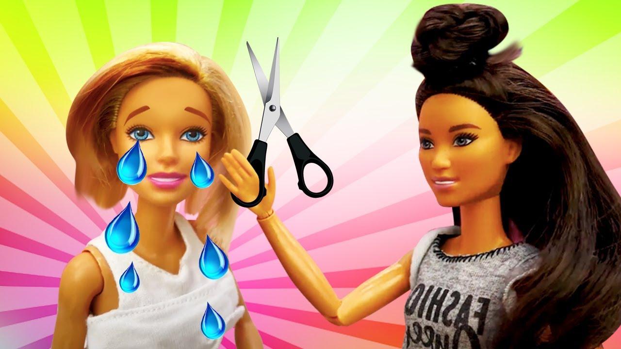 La venganza de la peluquera. Muñecas Barbie y Ken. Vídeos para niñas pequeñas