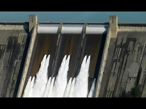 Shasta Dam Releasing Water at 77,000 CFS! Must watch! (Feb 14, 2017)