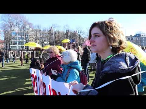 Netherlands: Police break up rally by hundreds of COVID sceptics in Amsterdam