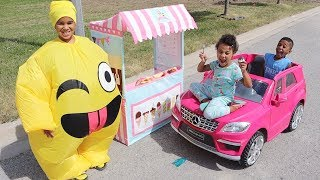 Drive Thru Ice Cream Stand Emoji Kids Pretend Play | FamousTubeKIDS