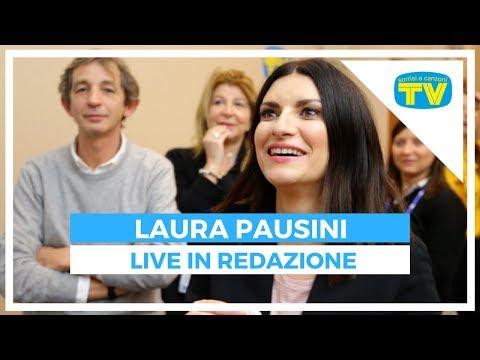Laura Pausini live nella redazione di Sorrisi a Sanremo