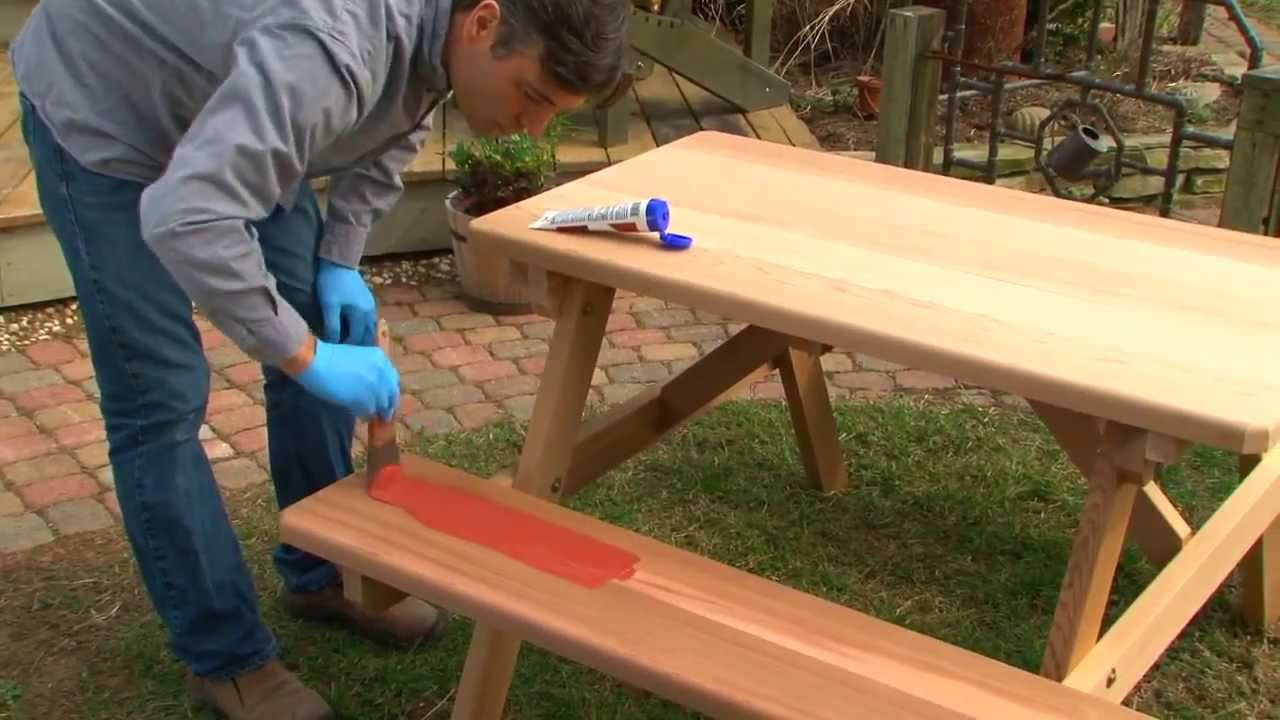 Easily Stain Your Outdoor Furniture Thompsons WaterSeal Easy - How to stain a picnic table