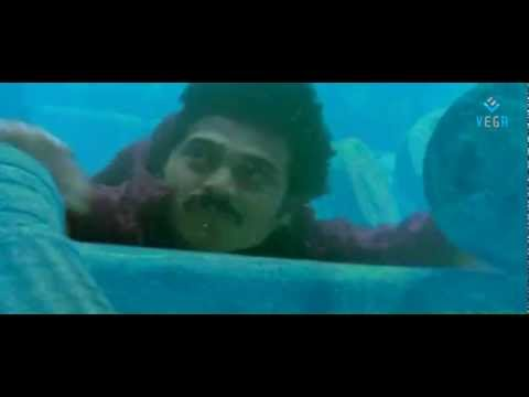 Devi Putrudu Movie Scenes - Venkatesh dives into the ocean for treasures - Soundarya, Anjali Zaveri