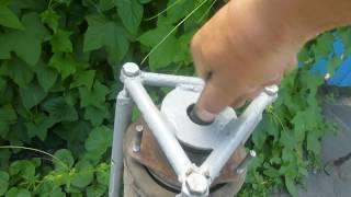 устройство для разборки и сборки передней стойки