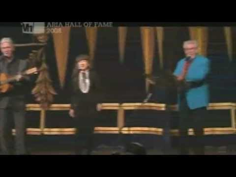 The Seekers & Rolf Harris (2008) - Tie me...