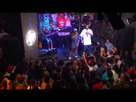 "Big Boi - ""Shutterbugg"" live, feat. Cutty"