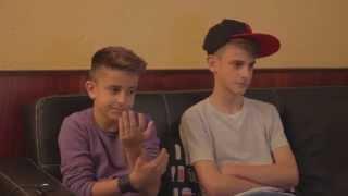 Con mi hermano Nau viendo por primera vez mi próximo video