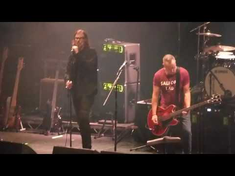 ENCORE! Peter Hook & The Light - Dead Souls feat Mark Lanegan - The Roundhouse, London, 18/12/17